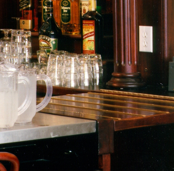 wallace-and-hinz-custom-residential-commercial-bar-company-made-in-usa-Foley's Bar Right V
