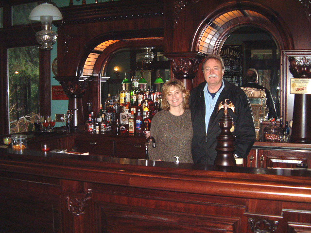 wallace-and-hinz-custom-residential-commercial-bar-company-made-in-usa-nevada-city-ca-resi