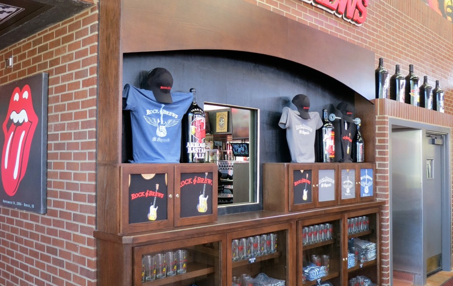 wallace-and-hinz-custom-residential-commercial-bar-company-made-in-usa-Merch Display 2.jpg