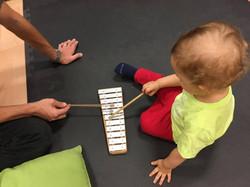 Experimentar o jogo de sinos em família!