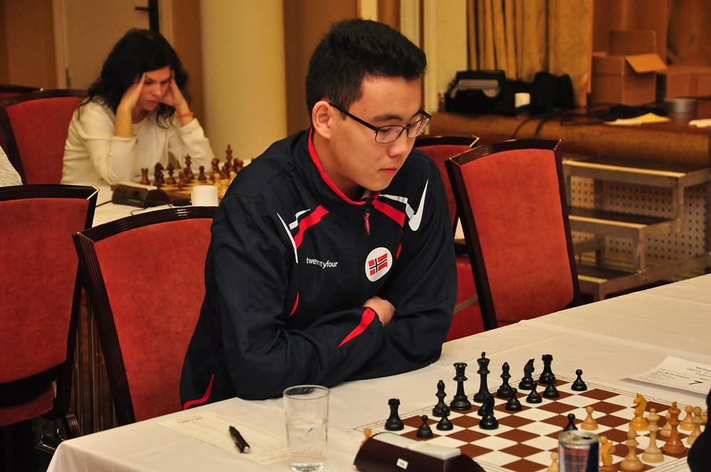 Alseit, her under TV 2 Chess International, vant kl. B i det åpne NM i lynsjakk