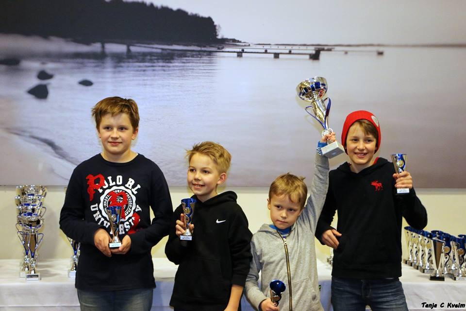 Stavanger Tigers tok en sterk 2. plass i barneklassen. Fra venstre Snorre, Andreas, Aksel og Julian