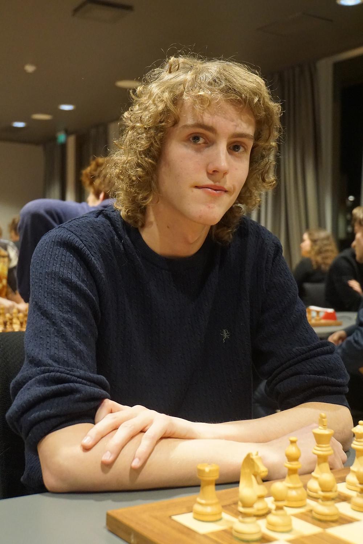 Aleksander var én av 8 spillere fra SSKU i det åpne NM i lynsjakk