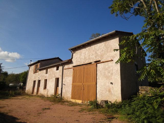 CLUNY : Sur les hauteurs, ensemble composé de deux maisons d'habitation.