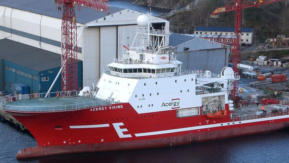 Acergy Viking at port