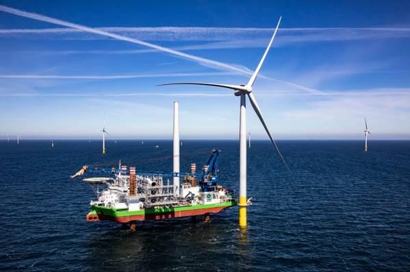 Wind turbine installation vessel jack-up at a wind turbine offshore