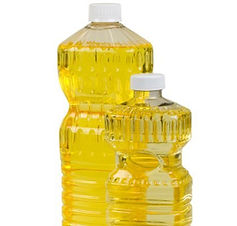 Crude de-gummed rapeseed oil has very low levels of saturated fat, a natural source of Vitamin E, a strong anti-oxidant which protects against heart diseases, cancer, ageing and for skin care