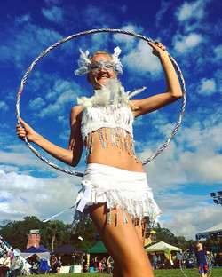 Our Hoop Fairy stopping for a quick photo before disappearing back into the crowd!! 🌟✨Did you know