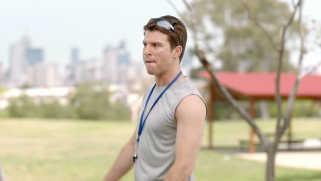 Nick Cain in 'Aquire Learning' TVC.