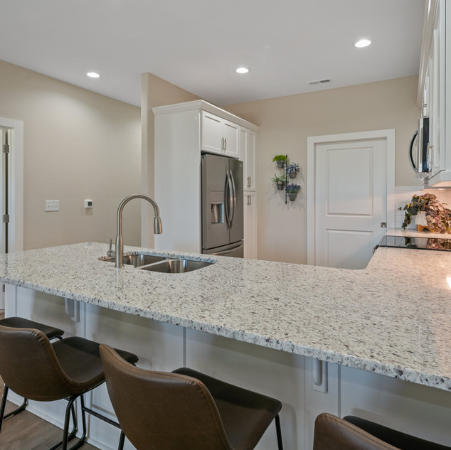 LED Recessed Lighting Throughout, 9' Ceilings, Undercabinet Kitchen Lighting and Granite Countertops