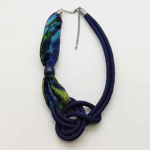 Colar Azul Marinho de Corda Náutica e Tecido - Margot