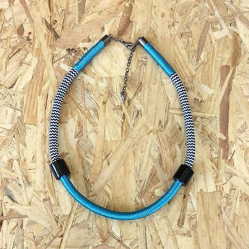 Colar Azul Turquesa em Corda Náutica