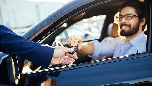 Autofahrer mit Schlüssel.jpg