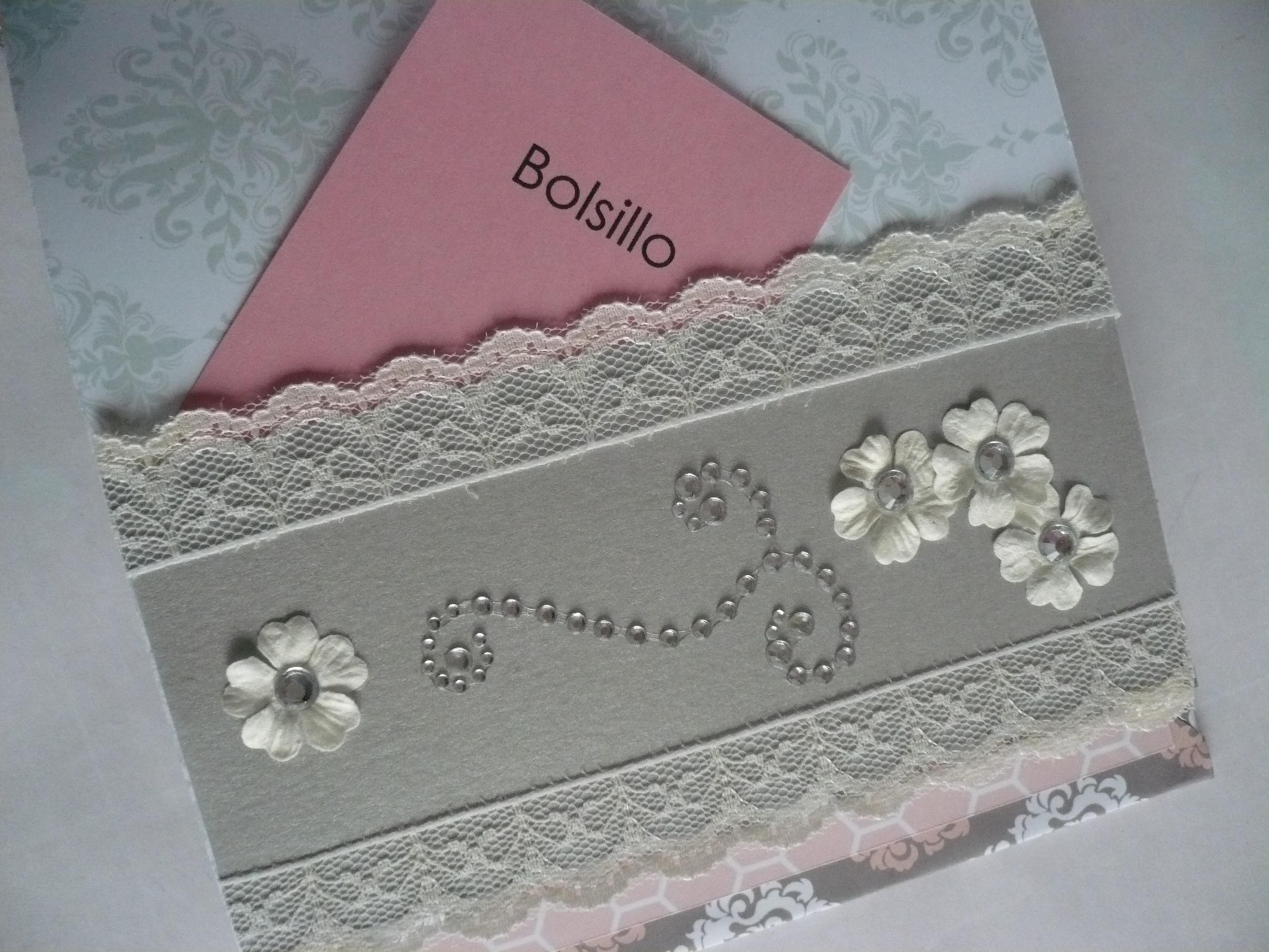 14 02 16 (foto 5) bolsillo decoraco con puntilla, filigrana de strass y flores de papel