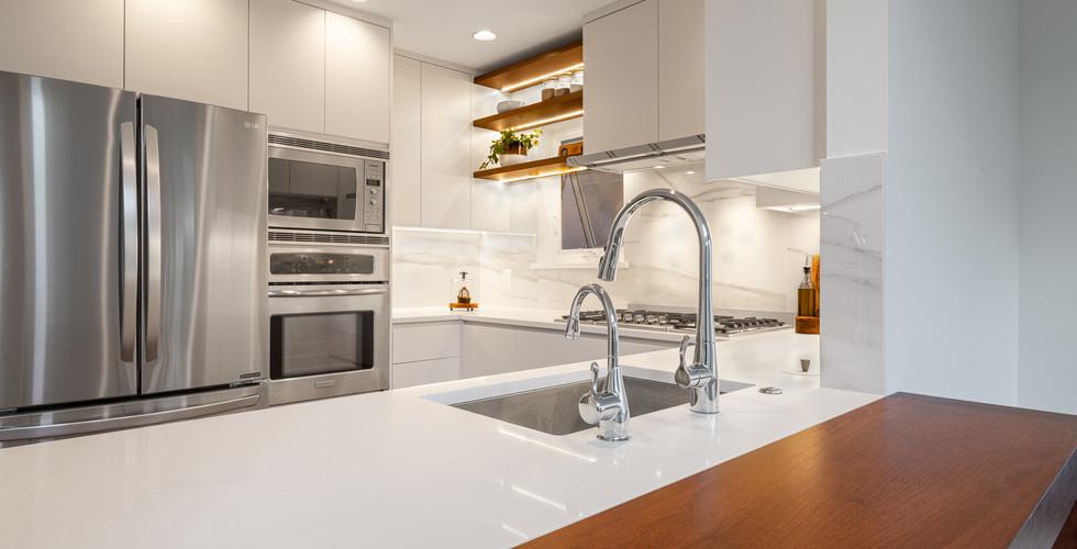 Point Grey- Kitchen (4).jpg