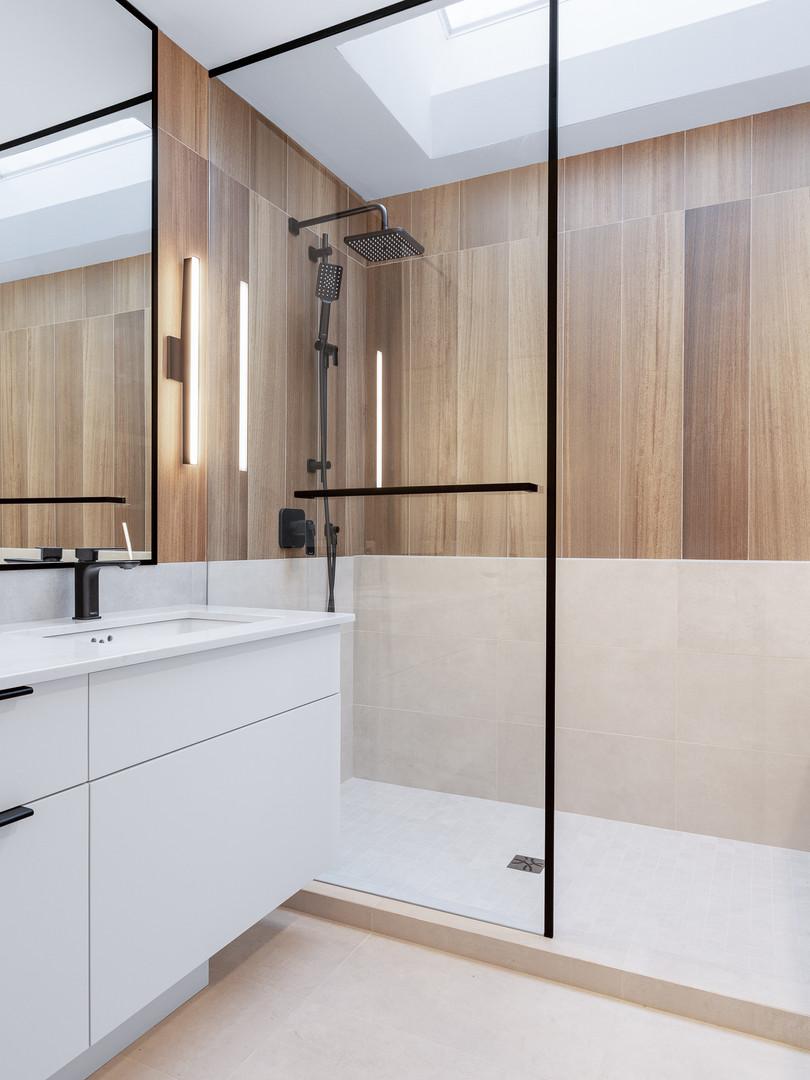 Point Grey - Master Bathroom (3)