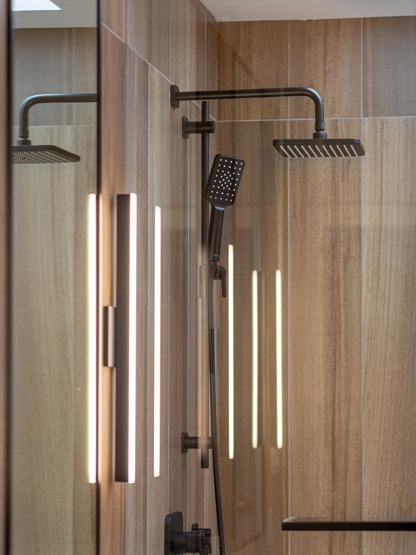 Point Grey - Master Bathroom (16