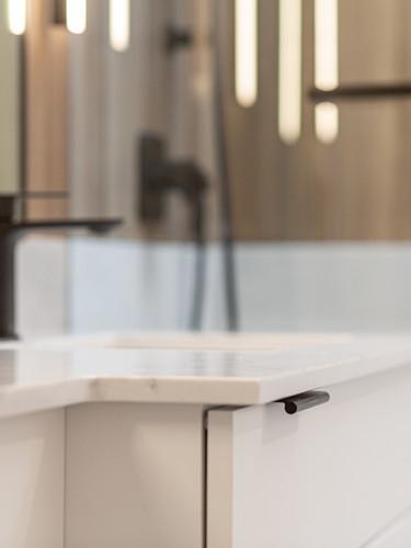 Point Grey- Master Bathroom (10