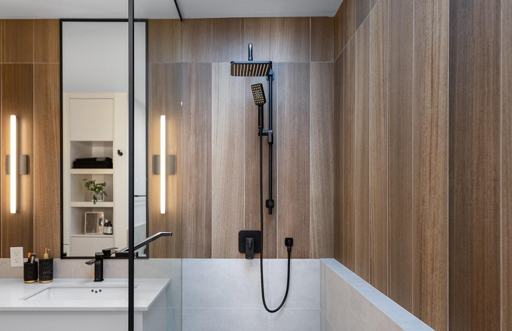 Point Grey - Master Bathroom (25