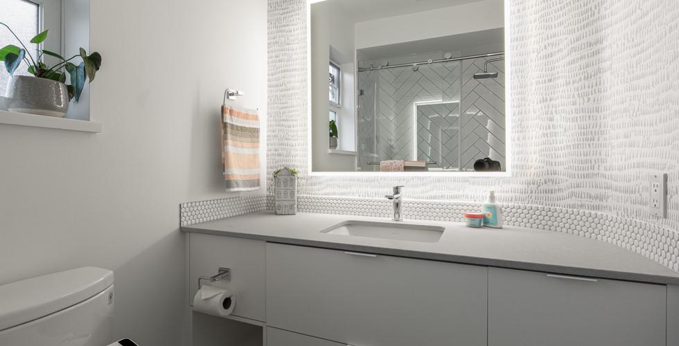 Point Grey- Second Bathroom (2)