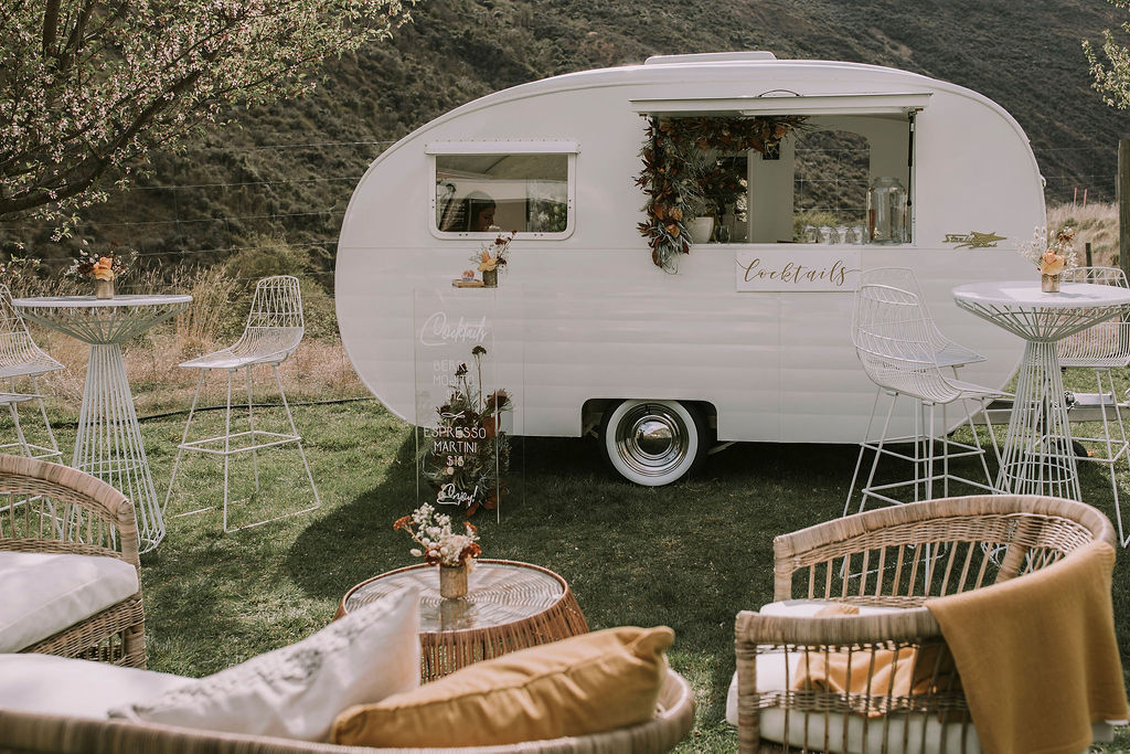 Star Bar Vintage Caravan