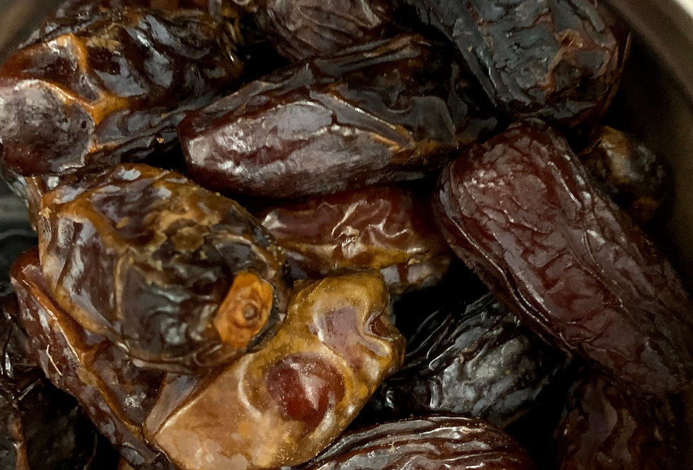 Medjool Dates (pits in)