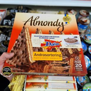 Daim Almondy Cake.jpg