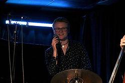 Live at Resonance Alex with mic Brian Li