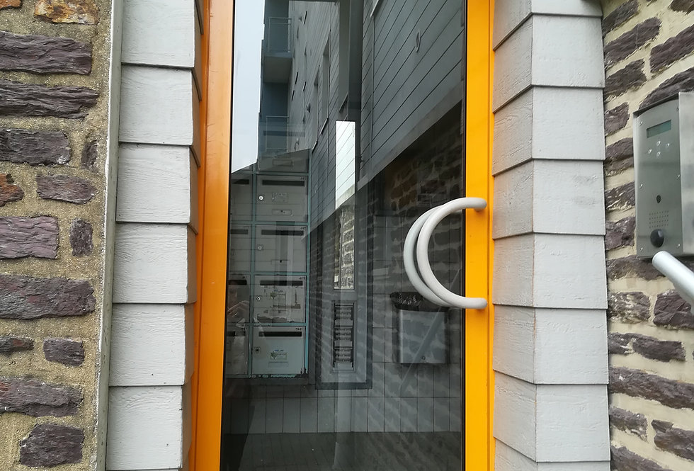 Porte vitrée extérieure