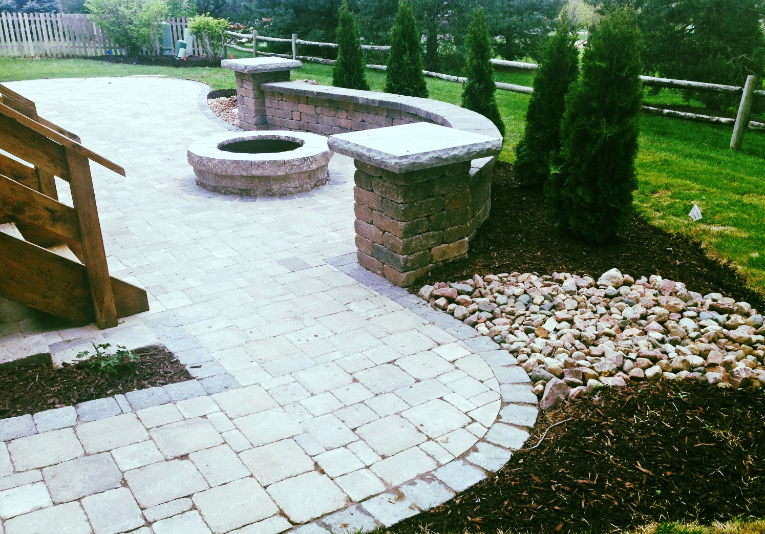 Outdoor & landscape fire pit