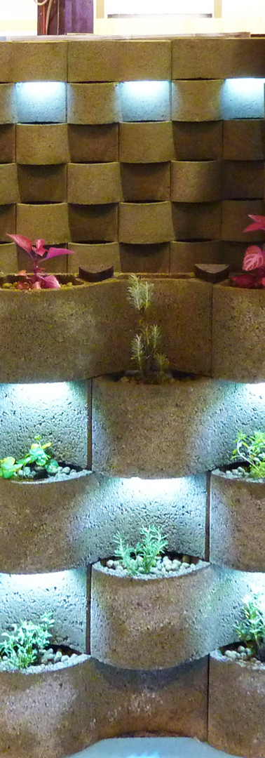 BLOOMWALL - NATURAL VERTICAL GARDEN - JARDINS VERTICAIS NATURAIS Concreta