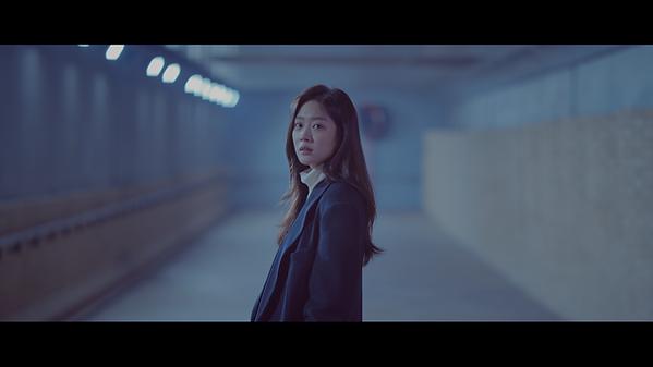 [MV] 청하 - 솔직히 지친다_케이블.00_04_06_09.Still0