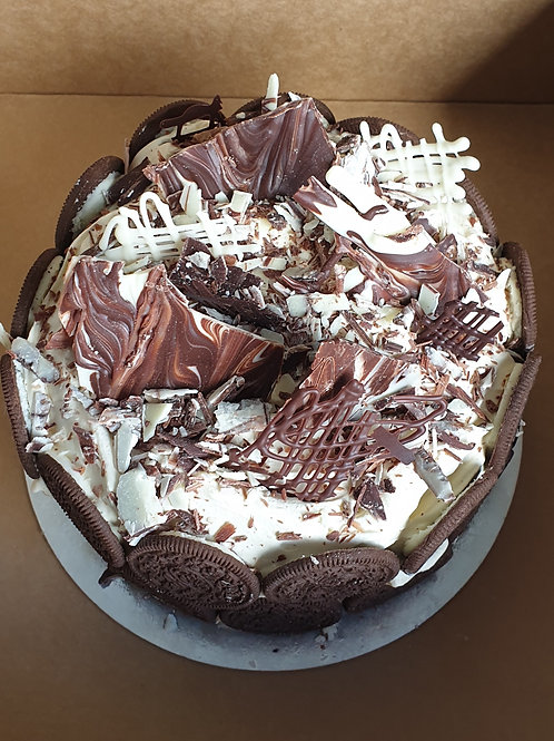 ICE CREAM CAKE ROUND HALF SIZE (CHOCOLATE OREO INDULGENCE)