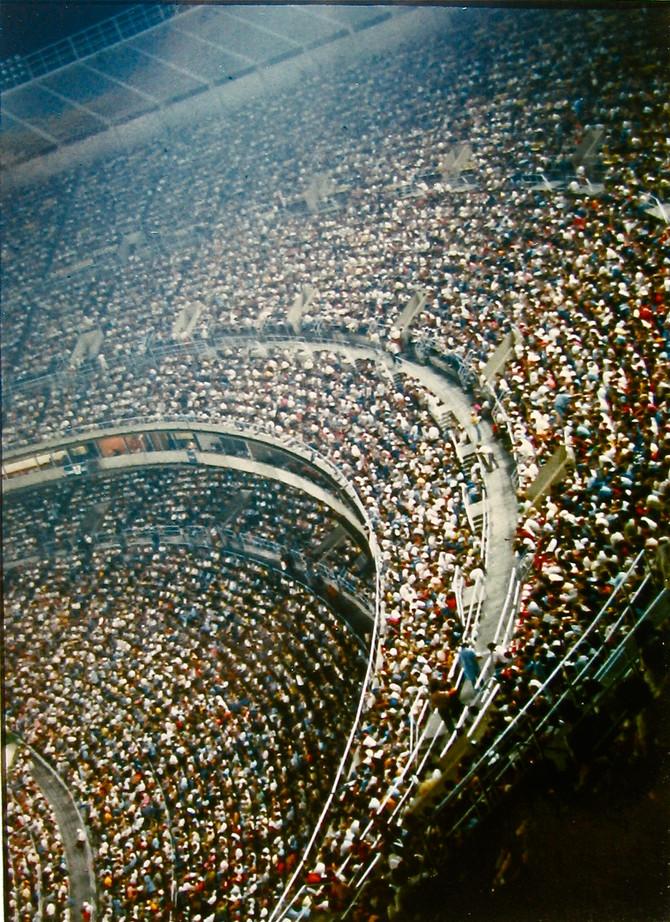Veterans Stadium, Philadelphia, 1976 (photo by Greg Colson)
