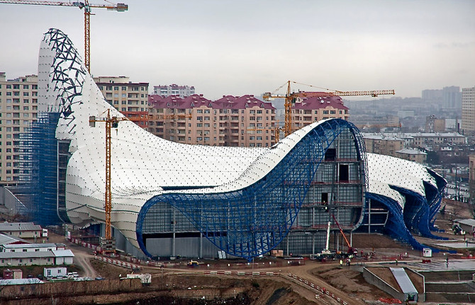 Zaha Hadid, Heydar Aliyev Centre during construction, Baku, Azerbaijan, 2011