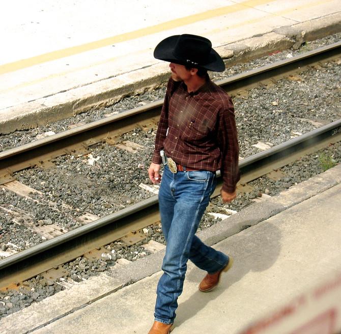 Albuquerque Train Station, 2006 (photo by Greg Colson)