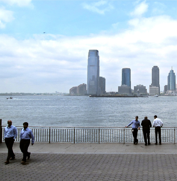 Lunchbreak, Battery Park City, NY (photo by Greg Colson)