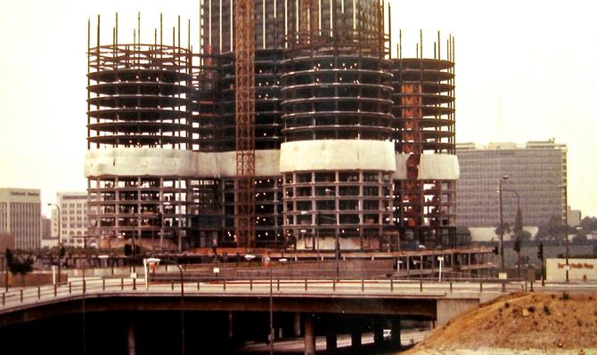 Bonaventure Hotel Construction, Los Angeles, 1975 (photo by Greg Colson)