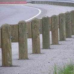 4.5-guardrail-posts.jpg