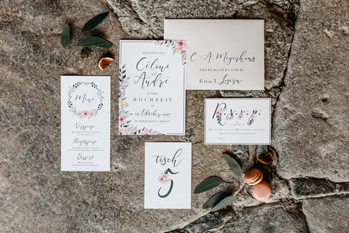 hochzeitsdekoration-hochzeitsmenu-menukarten-bohohochzeit-hochzeitskarten-hochzeitsgiveaways-Hochzeitsinladungskarten