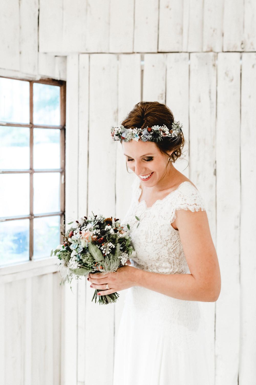 Hochzeitsfotografin-echte-hochzeit-hochzeitsfotos-brautpaar-zentralschweiz-riesenballon-urbane-hochzeit-Sinnlicht-luzern