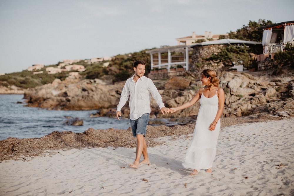 Sardinien-Paarphotoshooting-Strandhochzeit-heiraten-im-Ausland-Fotograf
