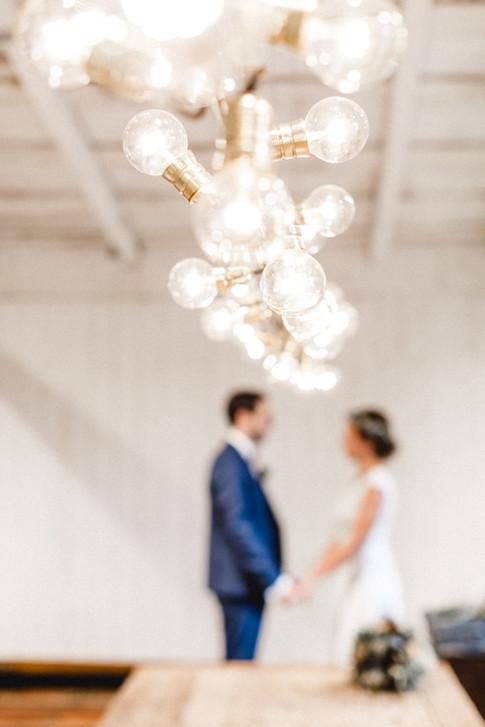 Fotos-Braut-Boho-Hochzeit-Bohostyle-natürlich-Spitzenkleid-Brautkleid