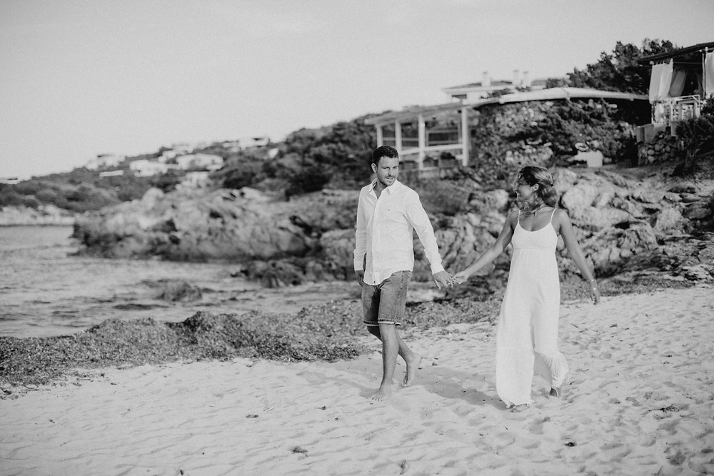 Sardinien-Paarphotoshooting-Strandhochzeit-Porto Cervo-Hochzeitsfotografin-Sardinia-weddingphotographer
