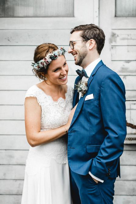 Hochzeitsreportage-Brautpaarfotos-anders-natürlich-Luzern-Industrie-Schlechtwetter