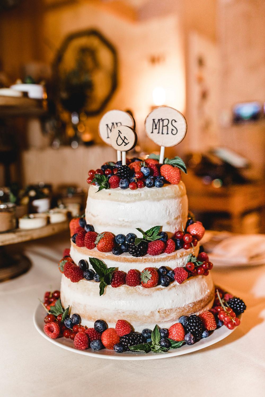 Hochzeitstorte-nakedcake-rustikal-givemeacake-switzerland-schiffstrauung-vierwaldstättersee