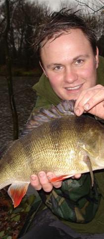 fisheries perch 3lb 2oz lee buxton.jpg