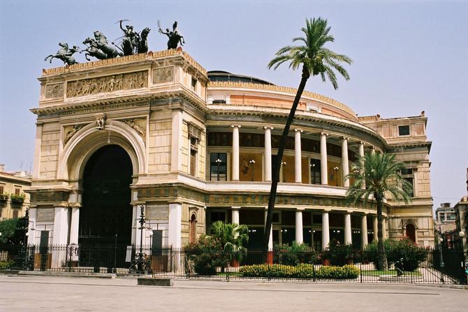Palermo ed i suoi monumenti: Teatro Politeama Garibaldi