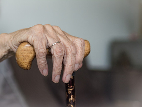 Signs That You May Need to Consider Assisted Living for a Loved One