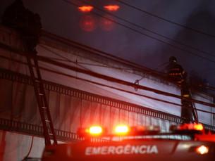 Vídeo: Incêndio atinge galpão da Cinemateca Brasileira